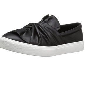 MIA black bow knot slip in sneakers